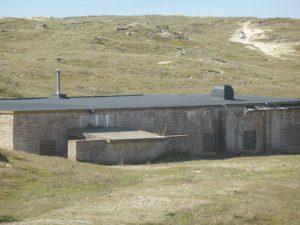 De bunkers in de duinen van Julianadorp aan Zee zijn de moeite waard om te bekijken.